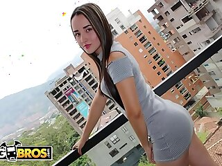 Young Colombian Amateur, Valeria, Wants To Be A Pornstar
