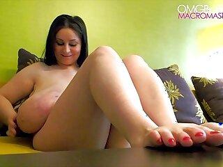 Foot Boobs fetis all natural tits